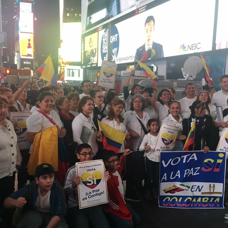 Colombians in NYC in Times Square after the Colombia-FARC peace deal was signed on Nov. 24, 2016. (Photo Credit: Milena Gutierrez)